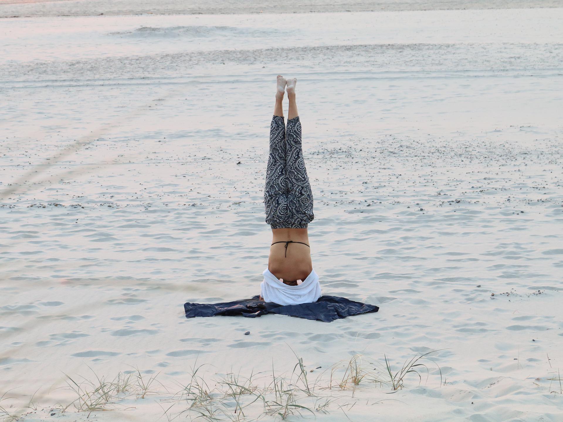 posture yoga inversée